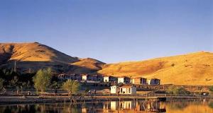 Hazar Gölü - Hazar Baba Dağı