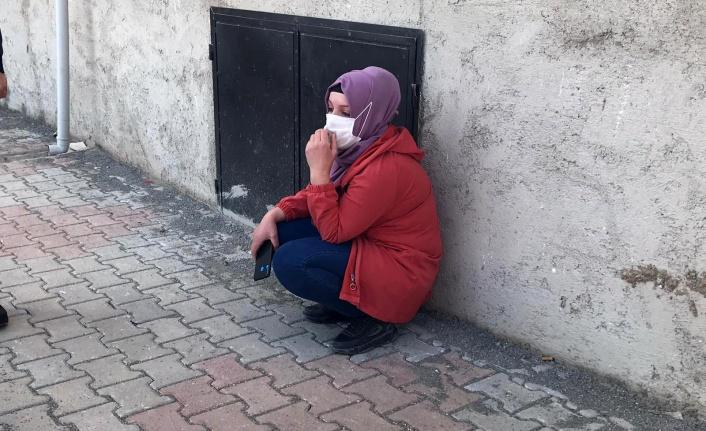 İntihara teşebbüs eden kadını çocukları gözyaşları içerisinde izledi