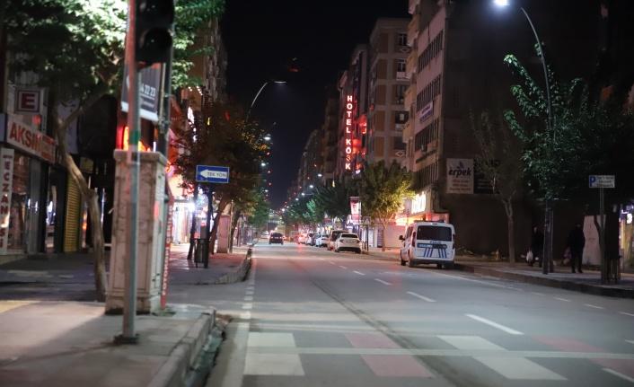 Kısıtlama ile evlerine çekildi, şehir sessizliğe büründü