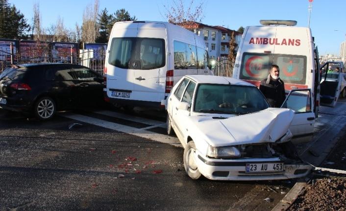 Elazığ'da zincirleme kaza, kazaları beraberinde getirdi, 18 araç  karıştı