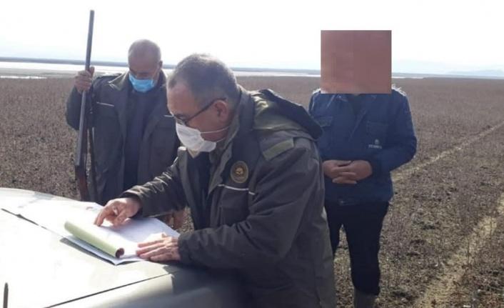 Elazığ'da kaçak gümeler imha edildi, avlanan 2 şahsa ceza kesildi