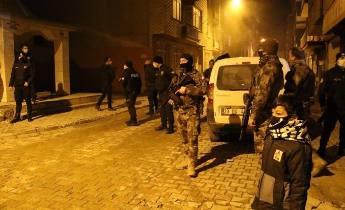 Elazığ'da silahlı kavgada vurulan şahıs hayatını kaybetti