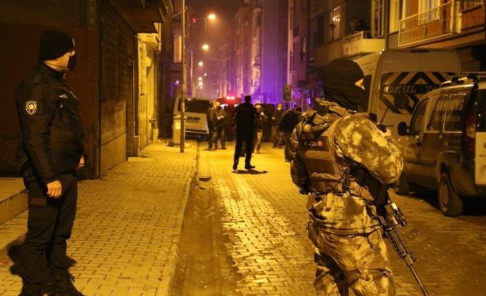 Sokak arasında silahlı kavga: 1 ağır yaralı