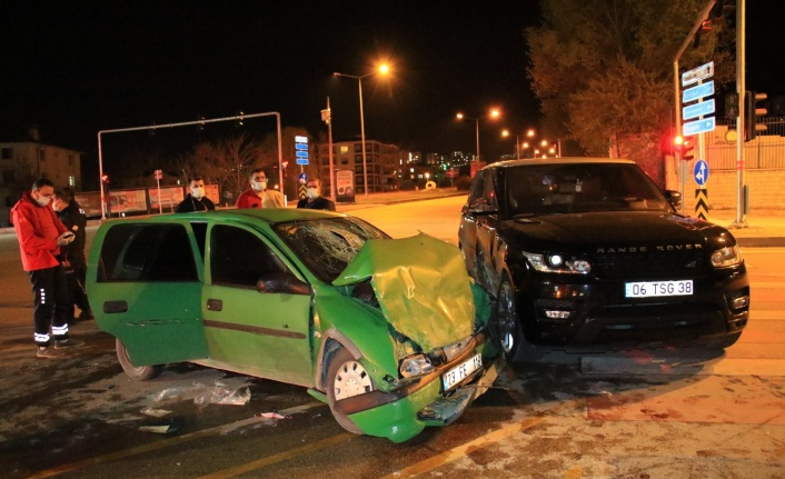 Elazığ'da cip ile otomobil çarpıştı: 2 ağır yaralı