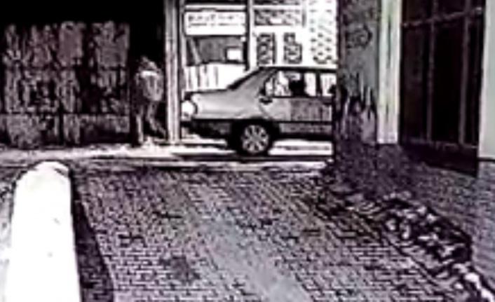 İki kişinin zor kaldırdığı demir tezgahı, hırsız tek başına çaldı