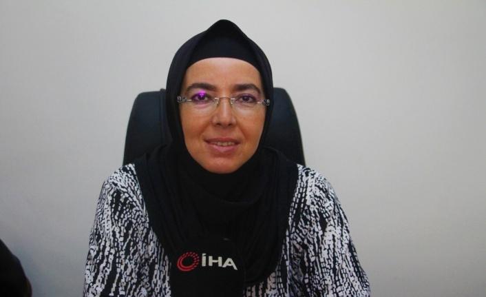 28 Şubat mağduru, Türkiye'nin ilk başörtülü Belediye Başkanı Fethiye Atlı yaşadıklarını anlatırken gözyaşlarına boğuldu