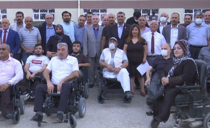 AED'den 33 akülü tekerlekli sandalye