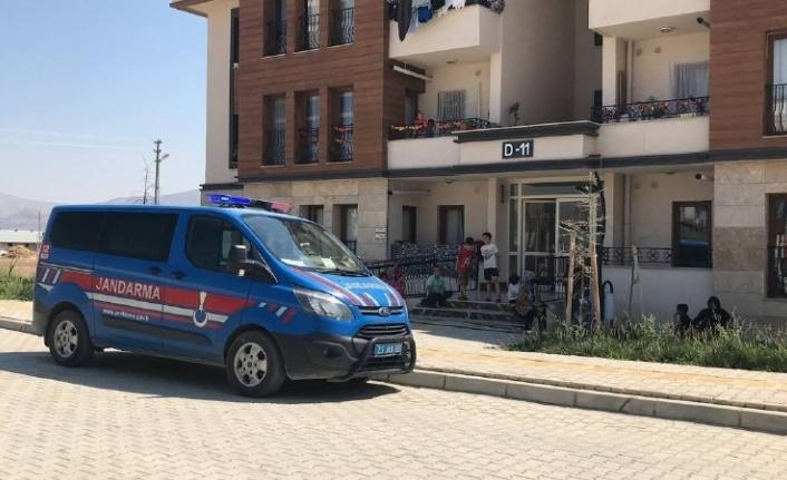 Elazığ'da başından silahla vurulan kadının dini nikahlı kocası tutuklandı