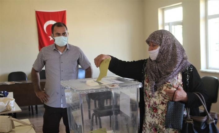 Elazığ'da bir köy mahalle olmak için referanduma gitti