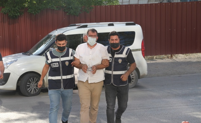 Elazığ'da bir kuyumcuda silahlı soygun girişiminde bulunan şahıs adliye sevk edildi