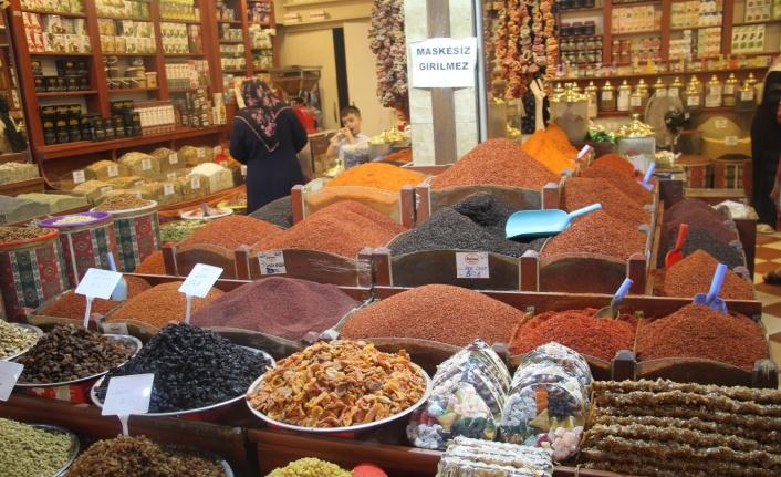 Gurbetçiler akın etti, Elazığ'da Kapalı Çarşı esnafının yüzü güldü
