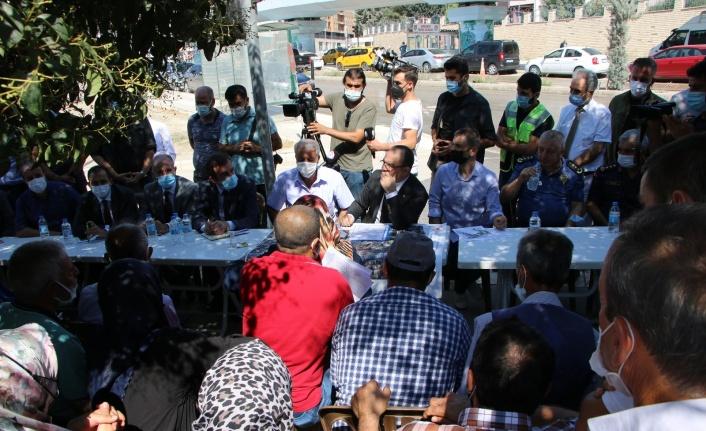 Vali Yırık, Mustafapaşa Mahallesi'nde hak sahipleri ile bir araya geldi