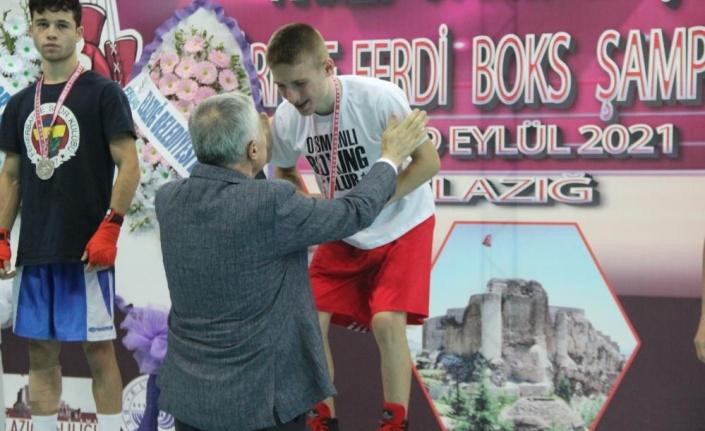 Elazığ'da düzenlenen Ahmet Uygur Türkiye Ferdi Boks Şampiyonası'na Trabzon damgası