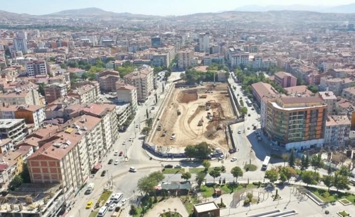 Elazığ'da Kent Meydanı Yer Altı Otoparkı ve Meydan Düzenleme Projesi devam ediyor