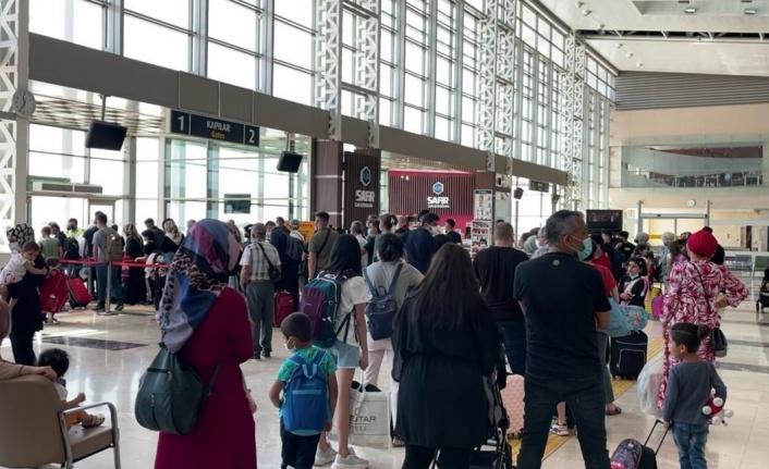 THY'nin Anadolu'dan yaptığı seferlerdeki gecikmeler aktarmalı yolcuları zora sokuyor