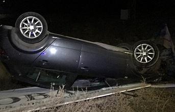 Ters dönen otomobilden sürücü, yara almadan kurtuldu