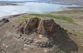 Urartular dönemine ait Tanrıverdi Kalesi ilk günkü ihtişamını koruyor