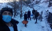 Sağlık ekipleri, karlı yolları aşarak, aşılama çalışmaları yapıyor