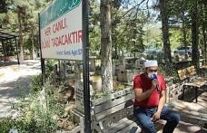 Elazığ'da kısıtlama nedeniyle boş kalan mezarlıklarda Kur'an-ı Kerim okutuldu