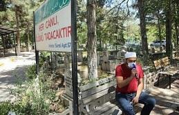 Elazığ'da kısıtlama nedeniyle boş kalan mezarlıklarda...