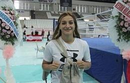 """Olimpiyat ikincisi Buse Naz Çakıroğlu: """"Moral vermek için Elazığ'a geldim"""""""