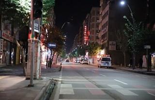 Kısıtlama ile evlerine çekildi, şehir sessizliğe...