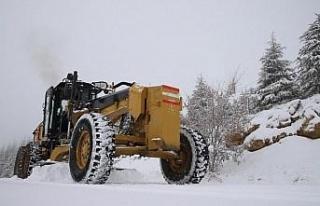 Elazığ'da 430 köy yolu ulaşıma açıldı, 11'i...