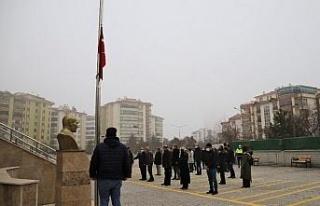 Elazığ'da bayrak töreni eşliğinde istiklal...