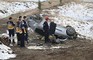 Elazığ'da otomobil takla attı: 1 ölü, 1 yaralı