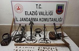 Elazığ'da kaçak kazı operasyonu: 4 gözaltı