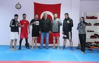 Avrupa Kupası'na hazırlanan Elazığlı kick-boksçuların...