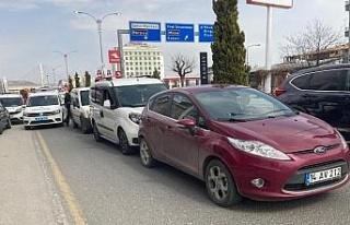 Elazığ'da 3 aracın karıştığı kazada 1 kişi...