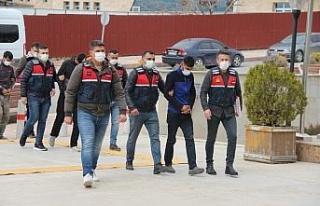 Elazığ'da hırsızlık yapıp Diyarbakır'da...