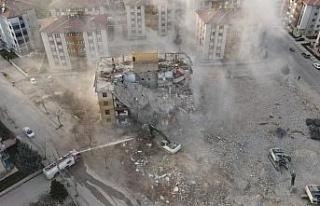 İki depremde 16 bin 773 yapı ağır hasar aldı,...