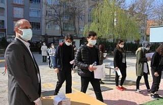 Öğrenciler, Milli Savunma Üniversitesi'ne girmek...
