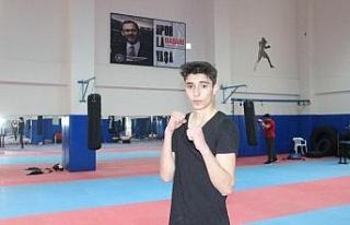 Genç sporcu, babasının izinden gidip şampiyonluklar...