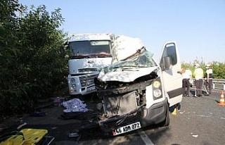 Elazığ'da düğün yolunda feci kaza: 3 ölü,...