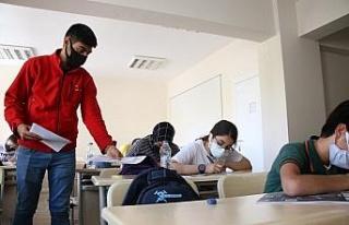 Kızılay'ın eğitim verdiği öğrenciler LGS'ye...