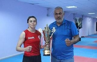 Zelal Şengür, Dünya Kick Boks Şampiyonası'nda...