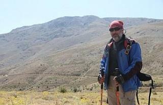 2 bin 347 metrelik Hazar Baba Dağına solo tırmanış...