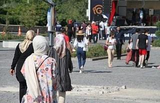 Bayram tatilinde vatandaşlar Harput'a akın etti
