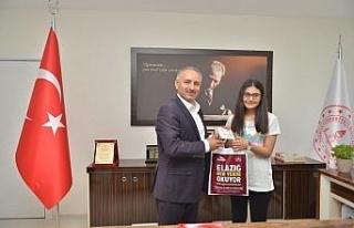 """Elazığ'ın LGS birincisi Sare Yıldız,""""Galatasaray..."""