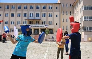 """Elazığlı öğrenciler """"Telafide Ben de Varım""""..."""