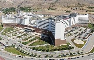 Elazığ Fethi Sekin Şehir Hastanesi, deprem ve pandemide...