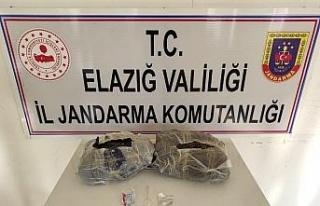 Elazığ'da el çantasında 2 kilo 150 gram esrar...