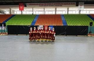 Elazığ'da halk oyunları yarışması yapıldı