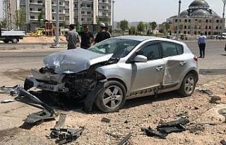 Elazığ'da iki otomobil çarpıştı: 8 yaralı