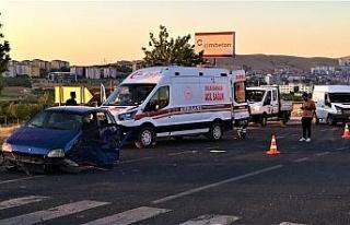 Elazığ'da iki otomobilin hurdaya döndüğü kazada...