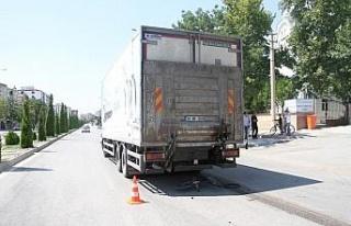 Elazığ'da kamyonun altında kalan çocuk hayatını...