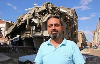 Elazığ'da kontrollü yıkımda hasarlı bina böyle...